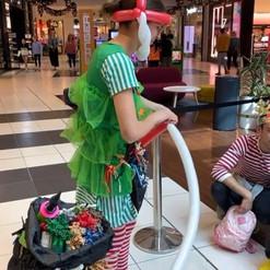 Balloon Twister Elf