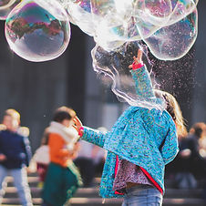 girl playing with giant bubbles  Wellington New Zealandh-bubbles-1919030.JPG