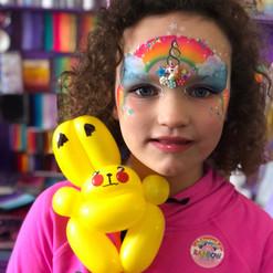 Pikachu balloon twisting animals