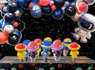 space balloon garland and balloon twisting planets favours Wellington New Zealand