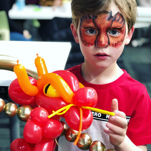 dragon face painting and balloon twisting Wellington New Zealand