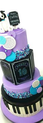 Victoria's 16th Birthday Dream Cake