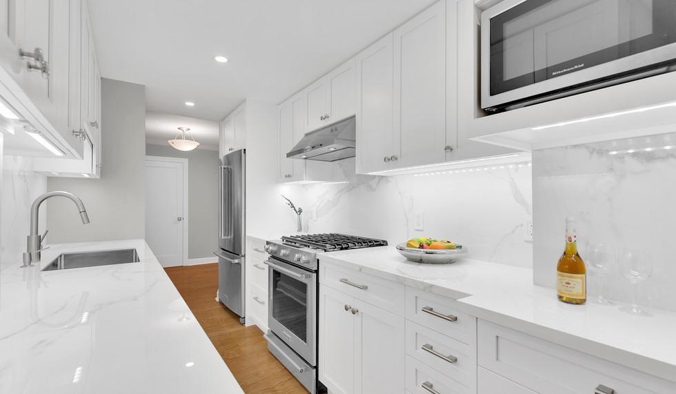 IND_315_West_70th_Street_2F_New_York_NY_Apartment_-_10_Photo_7_20171213-115935.jpg