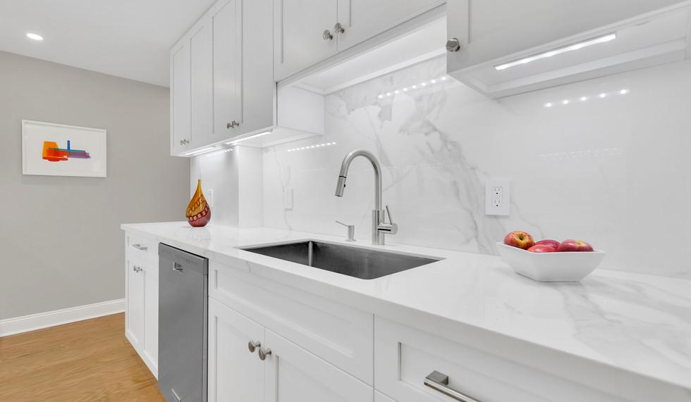 IND_315_West_70th_Street_2F_New_York_NY_Apartment_-_10_Photo_9_20171213-115936.jpg