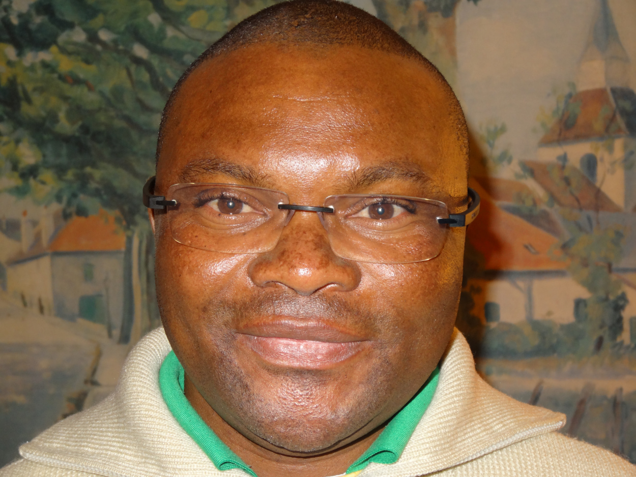 Père David Mbala