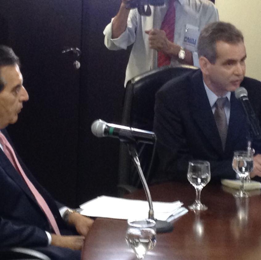Dr. Rogério Abdalla, Secretário de Gestão do Trabalho e Educação na Saúde do Ministério da Saúde,  e o Secretário Estadual de Saúde, Dr. Leonardo Vilela.