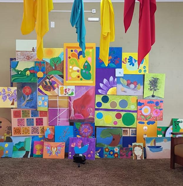 Exposição de quadros dos alunos