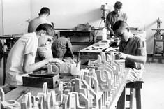 1970 - Começa a funcionar a Escola Maria Montessori