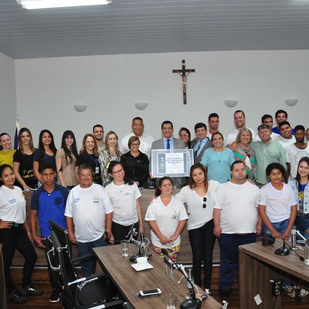 APAE Anápolis é homenageada pela Câmara dos Vereadores por seu tricampeonato no Prêmio Melhores ONGs