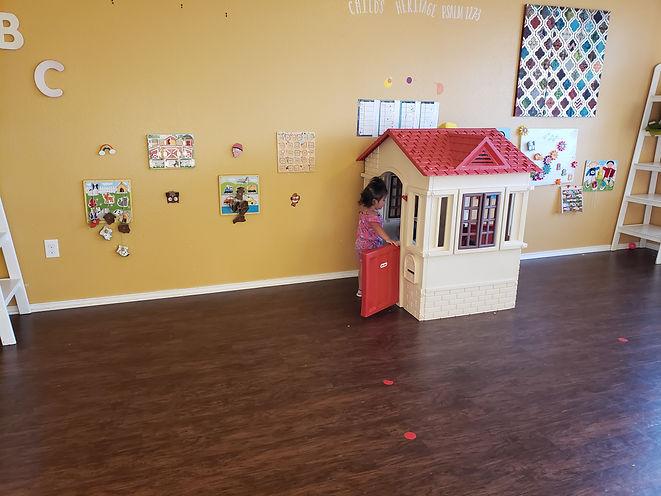 little play house 1.jpg