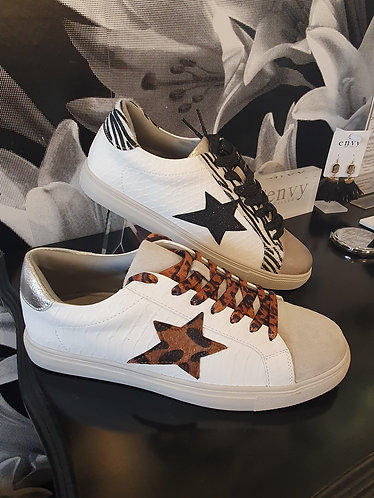 Star lace ups