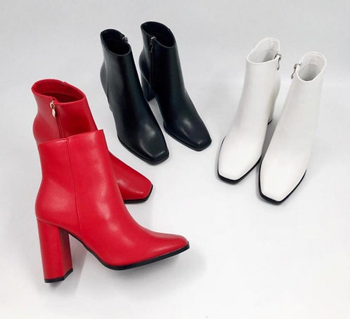 Square toe heeled boots - Black