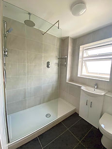 Replace your bath with a walk in shower, should I remove my bath? Ideas for a busy family