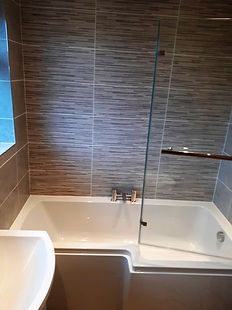 L shaped square shower bath
