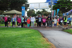 5 and 9km walkers start.JPG