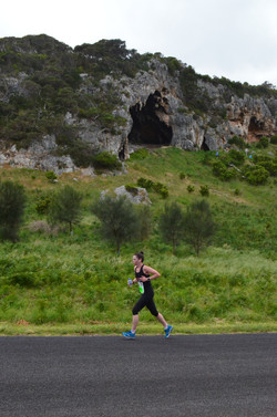 Marathon Emma Coburn CAVES.JPG
