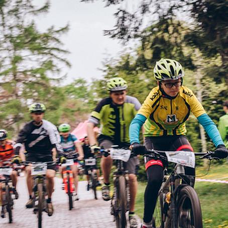 Cyklistov nezastavil ani dážď, na štarte ich bolo viac ako 50!