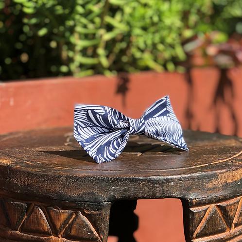 Blue/White Shell Design Bow Tie