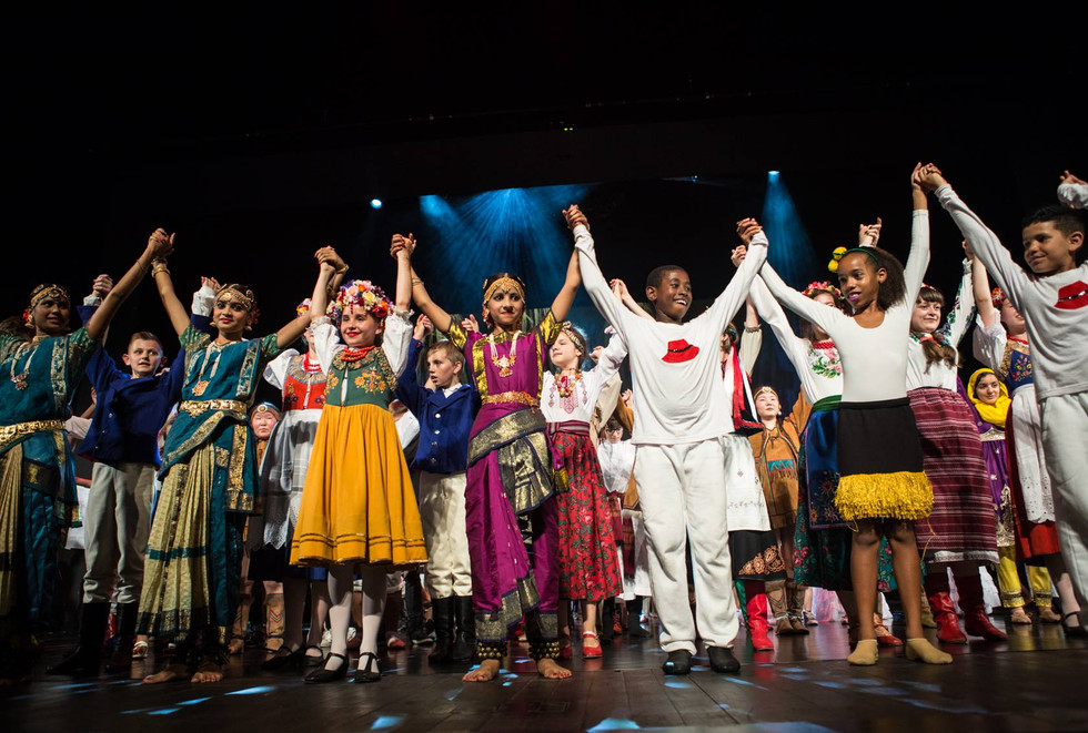 Children of the world unite with arts