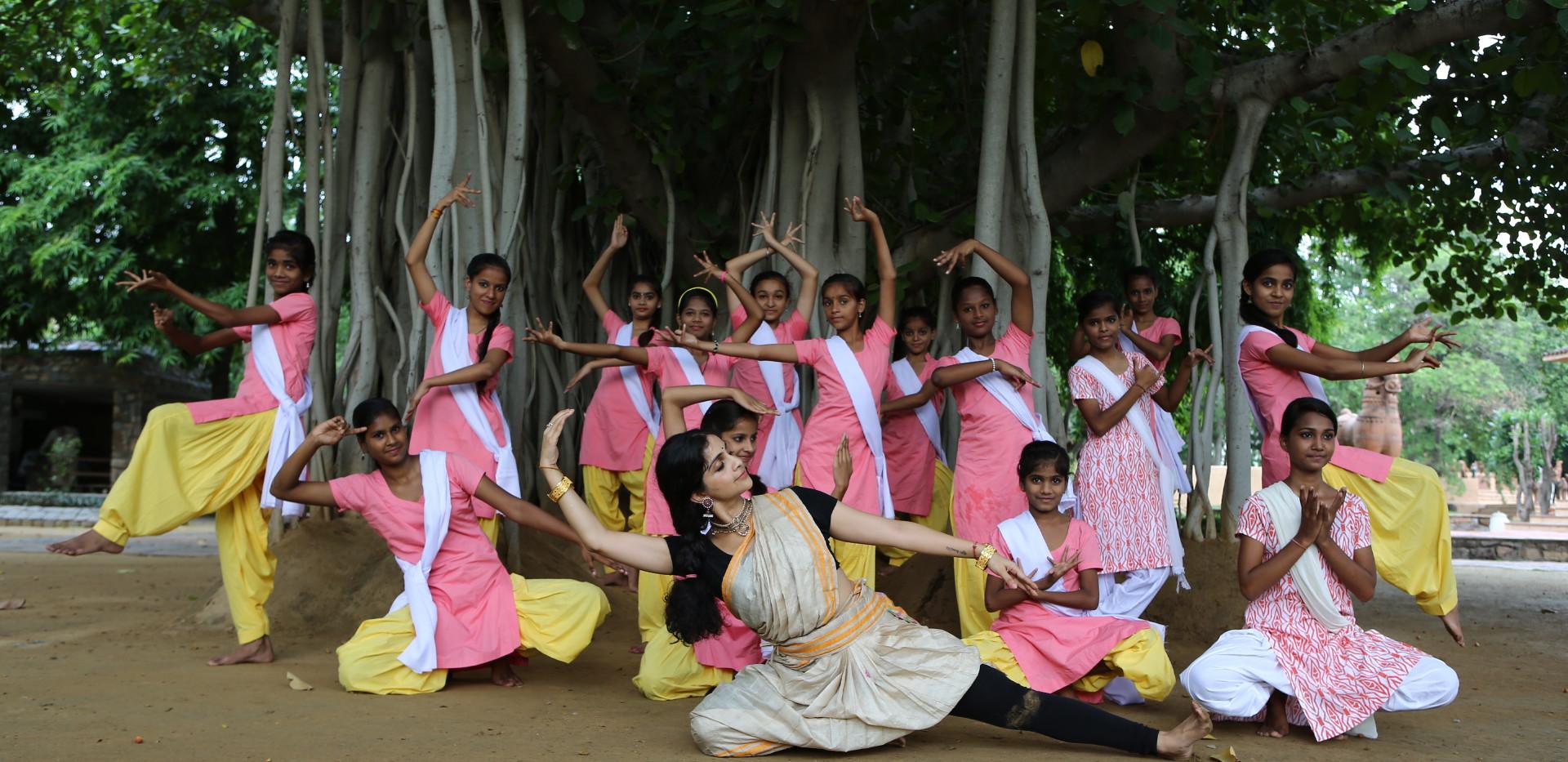 Sarvam Shakti with Founder, Nehha, under the most beautiful tree!