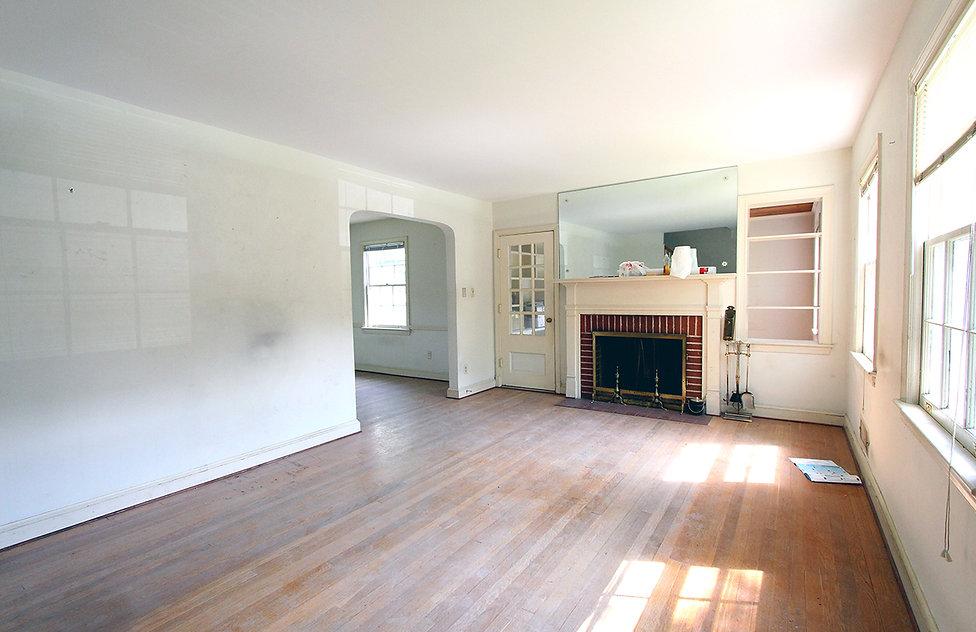 01_Living Room (before).jpg