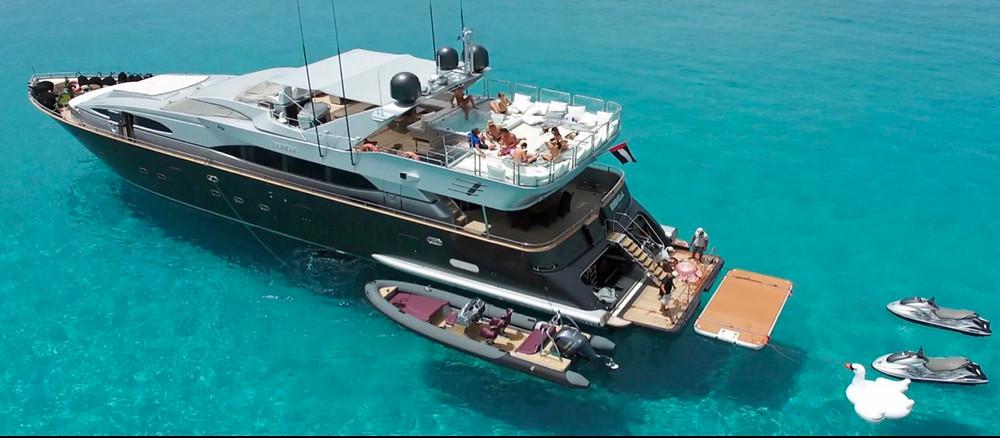 medusa yacht, Dan Legg, Lewis Burton, Lottie Tomlinson, ibiza