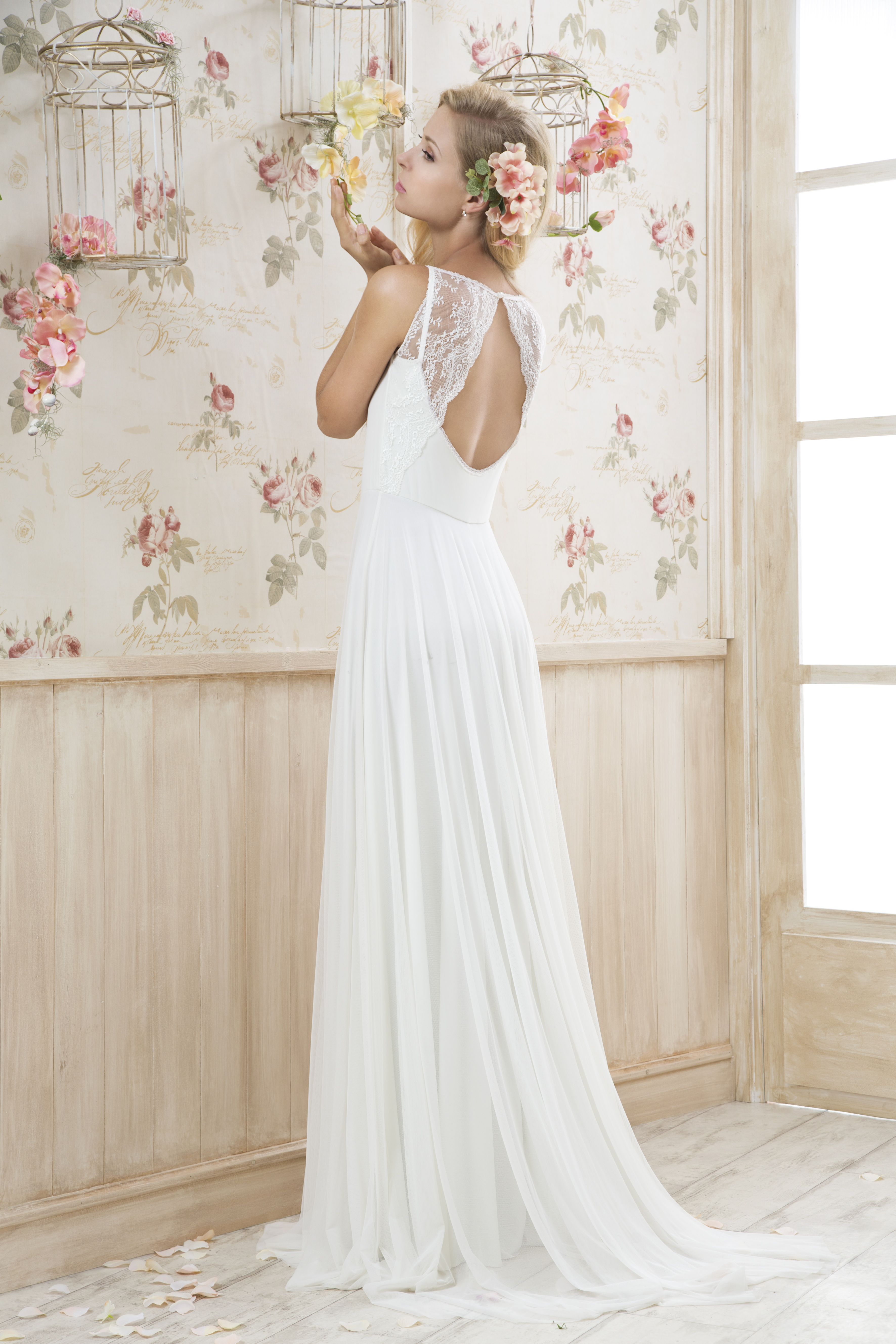 קולקציה - שמלות כלה בפתח תקווה 21