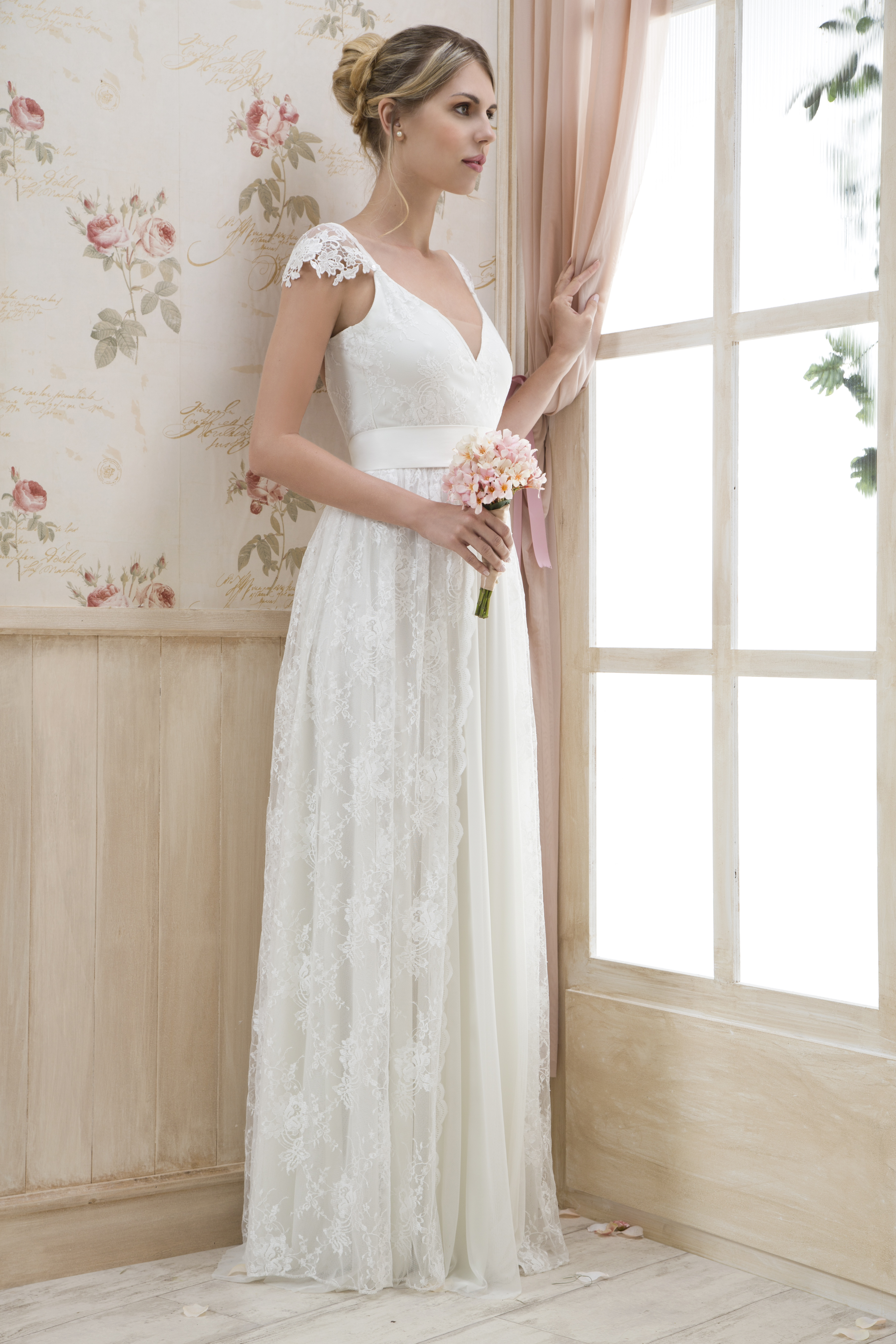 קולקציה - שמלות כלה בפתח תקווה 16