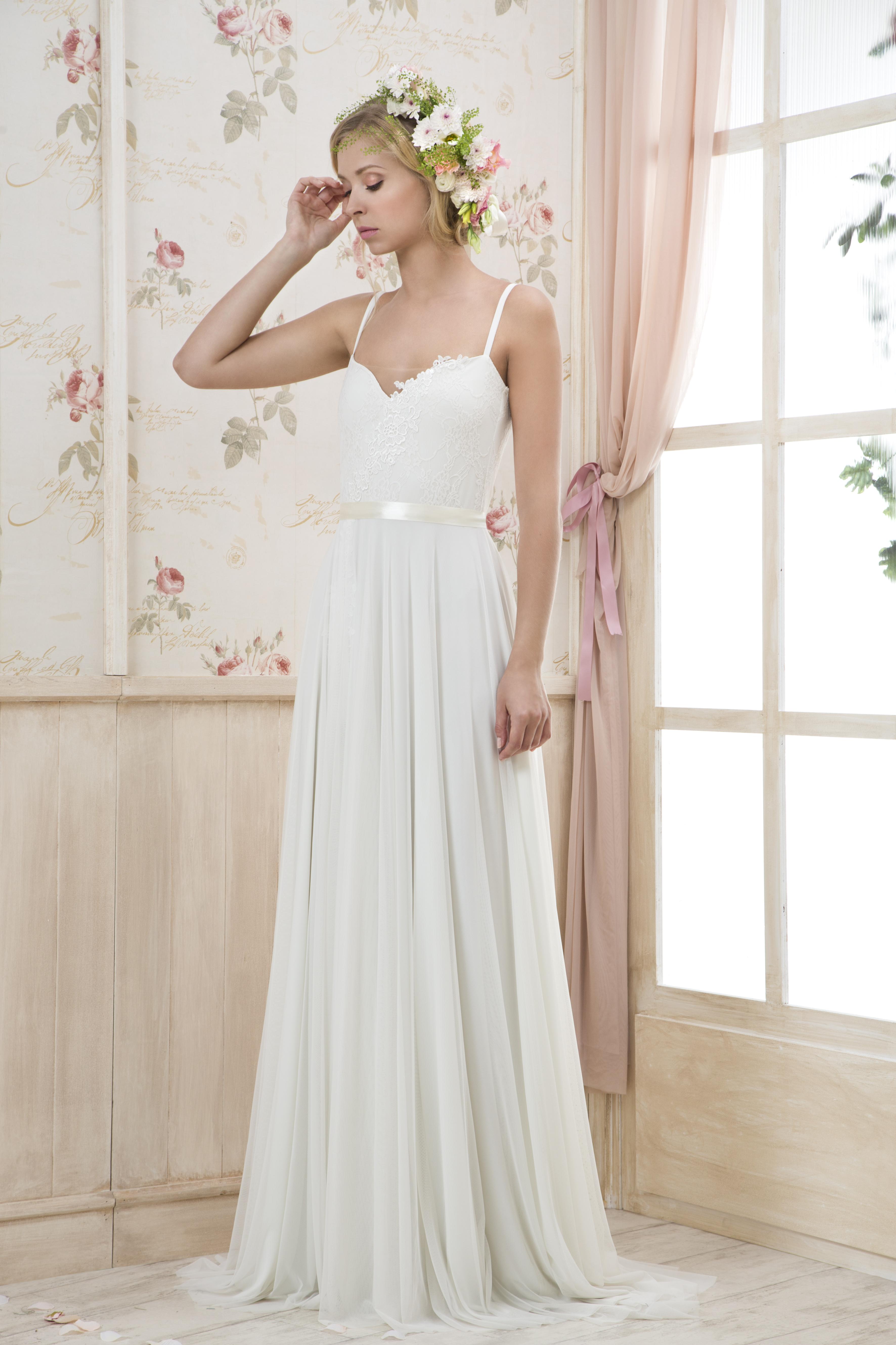 קולקציה - שמלות כלה בפתח תקווה 7