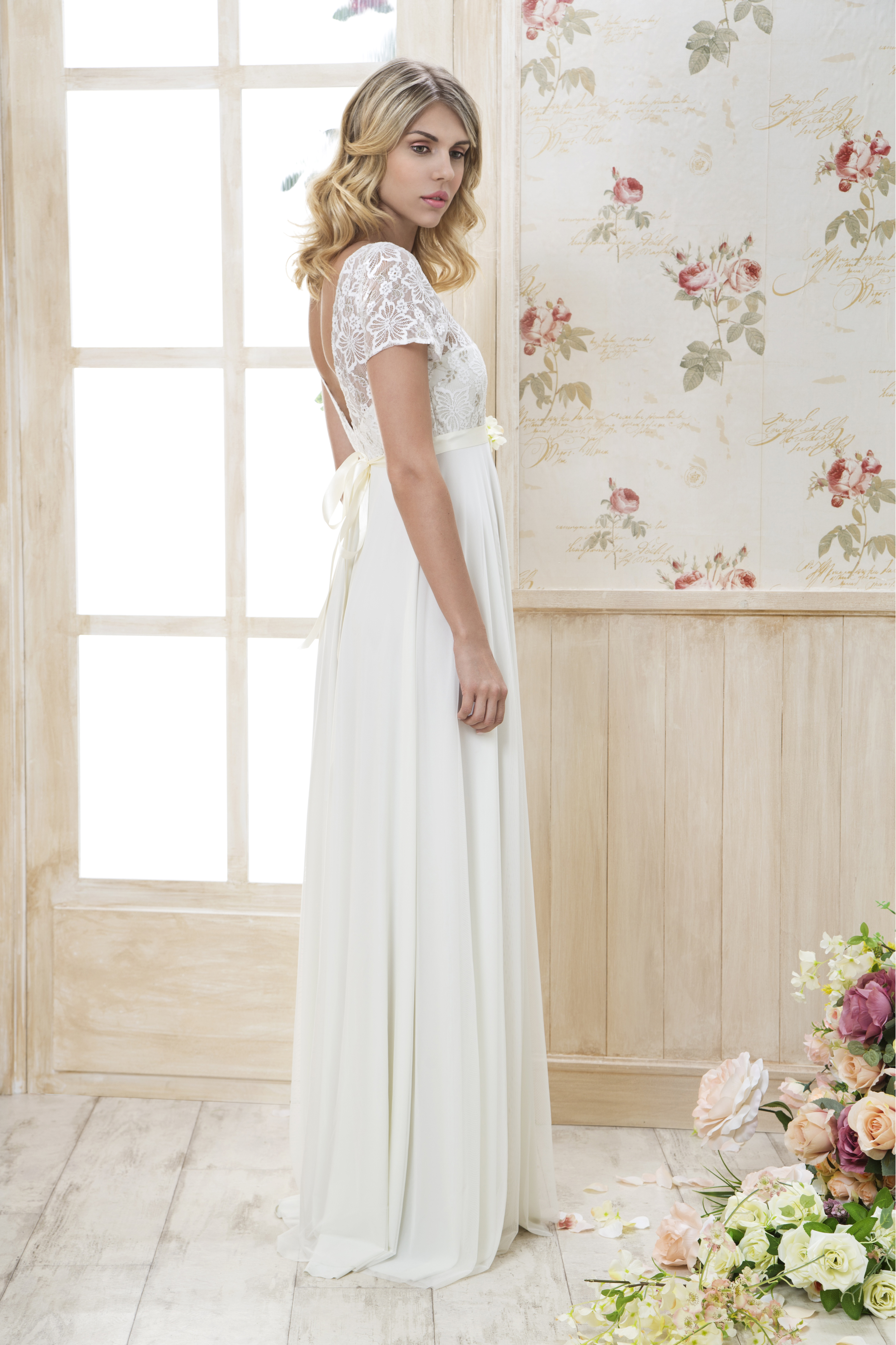 קולקציה - שמלות כלה בפתח תקווה 25