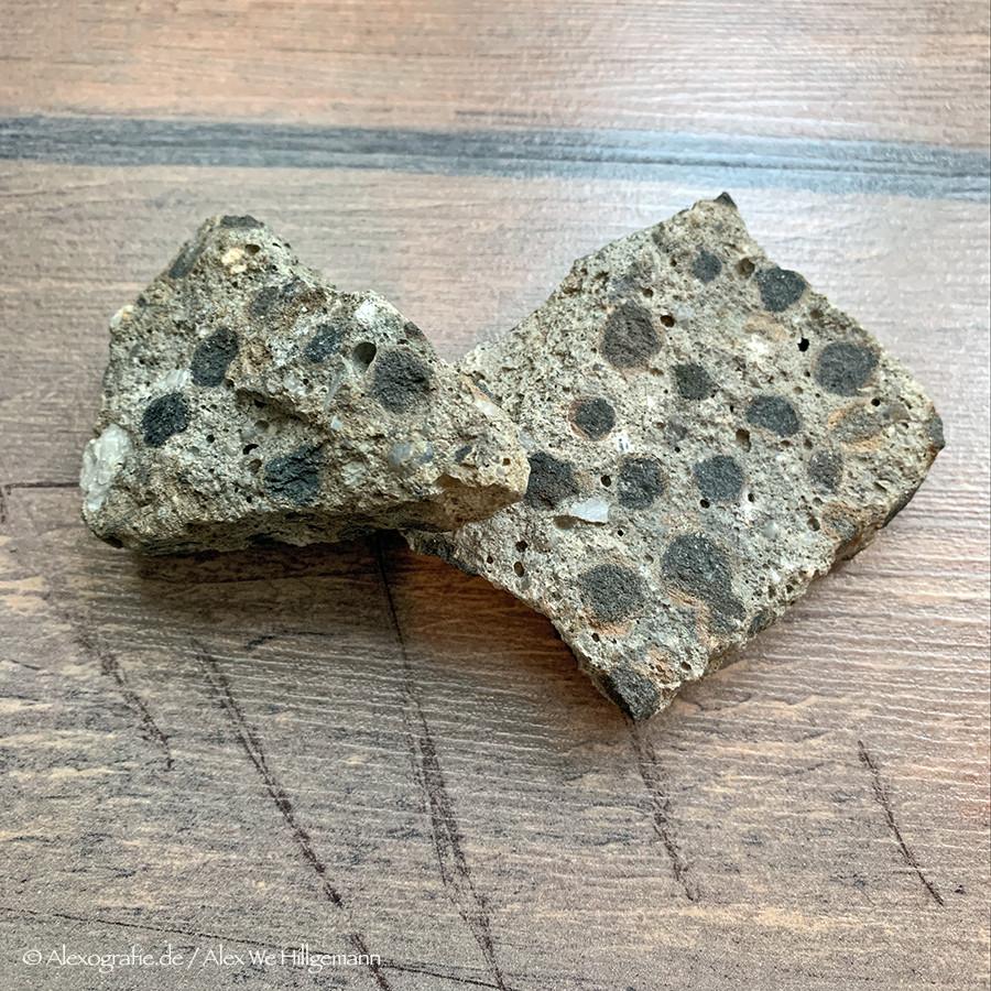 Betonreste - Steine des Kaiserbau Troisdorf
