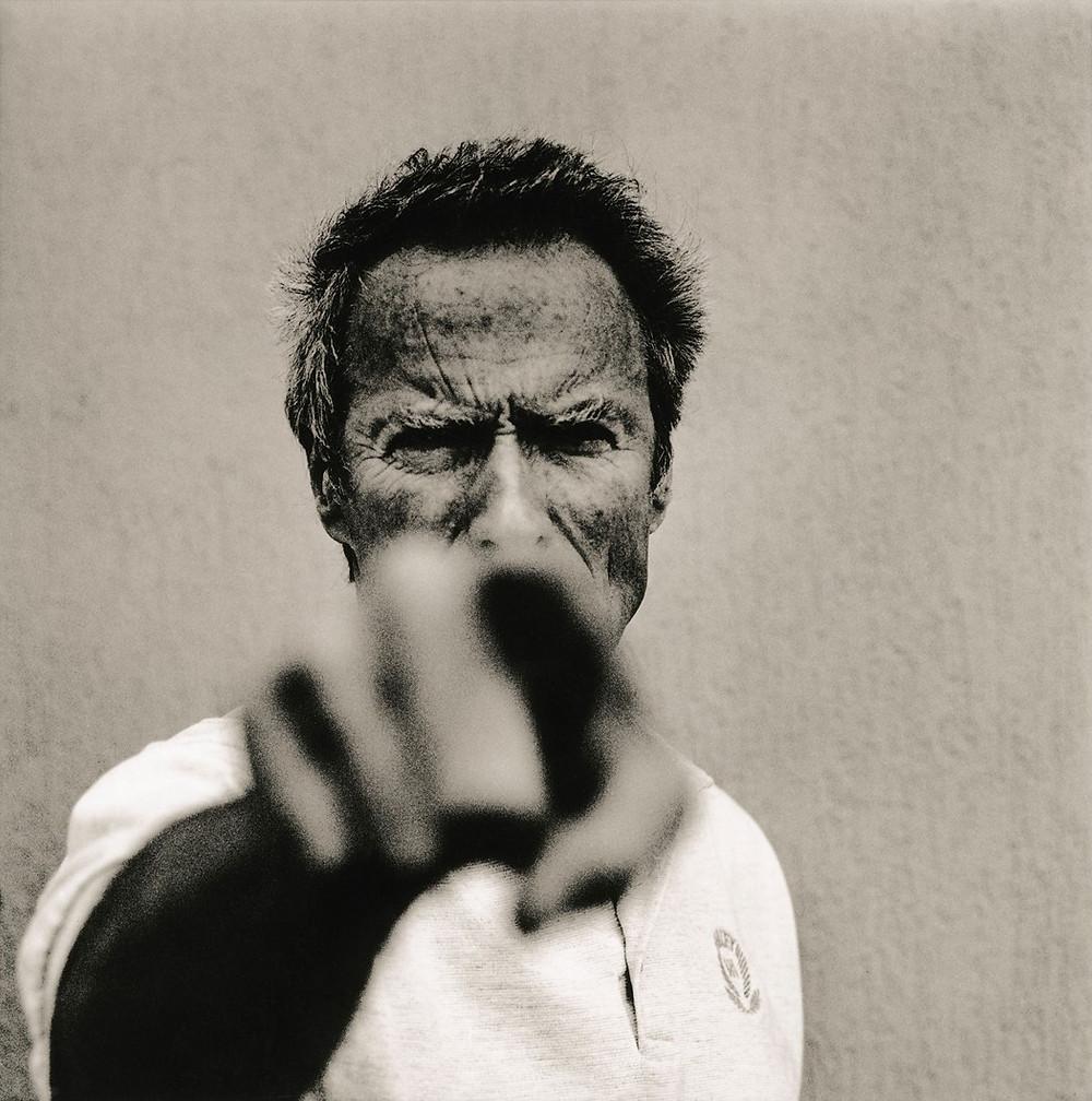 Clint Eastwood fotografiado por Anton Corbijn. [Diego Marqueta Presentaciones]