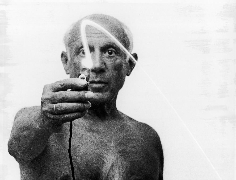 Picasso pintando con luz - blog diegomarqueta.com