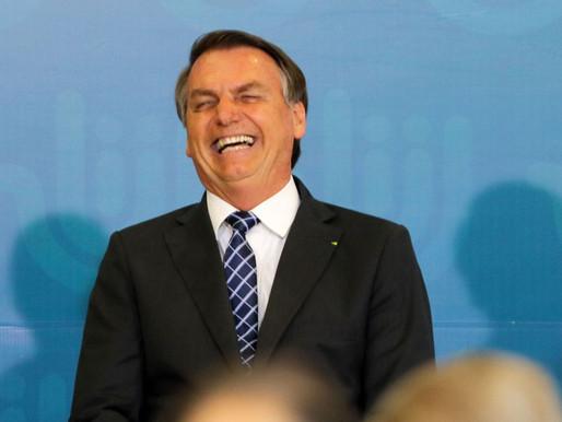 Bolsonaro troca número de celular três dias após pedido de apreensão ir à PGR