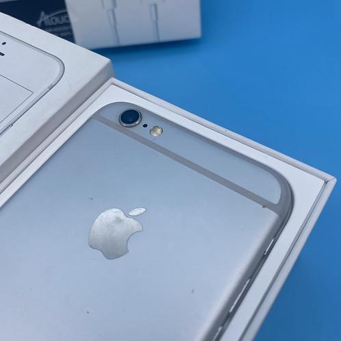 Apple iPhone 6S (Silver, Unlocked, 32GB)