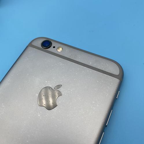 Apple iPhone 6S (Space Grey, Unlocked, 32GB)