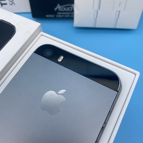 Apple iPhone 5S (Space Grey, Unlocked, 16GB)