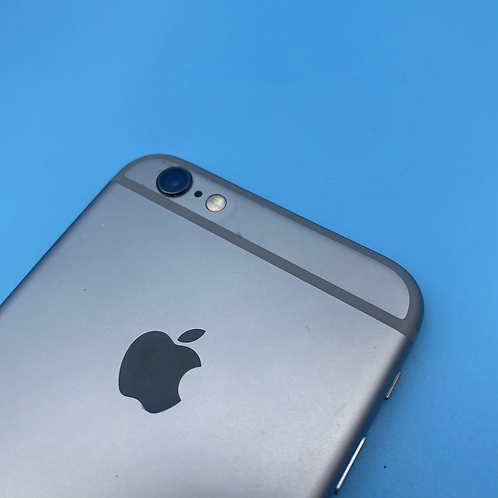 Apple iPhone 6S (Space Grey, Unlocked, 16GB)