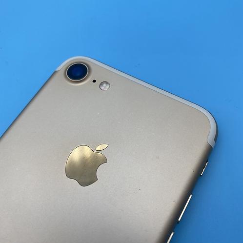 Apple iPhone 7 (Gold, Unlocked, 32GB)