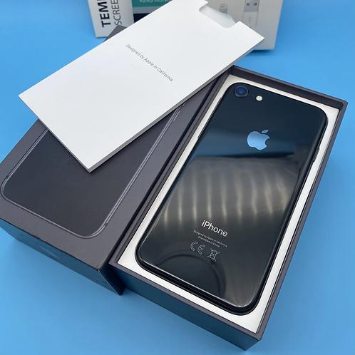 Apple iPhone 8 (Space Grey, Unlocked, 64GB)