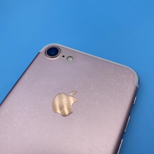 Apple iPhone 7 (Rose Gold, Unlocked, 32GB)