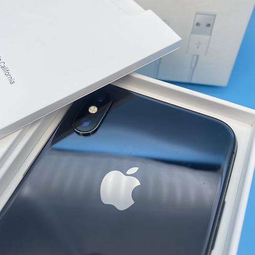 Apple iPhone X (Space Grey, Unlocked, 64GB)
