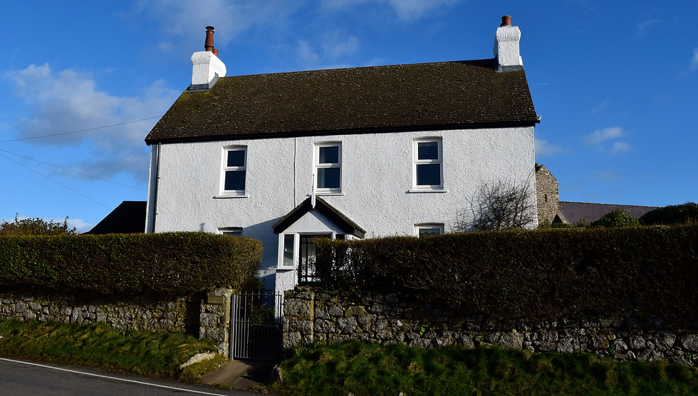 Church Park, Gower a beautiful cottage with sea views in the heart of Rhossili, sleeps 6