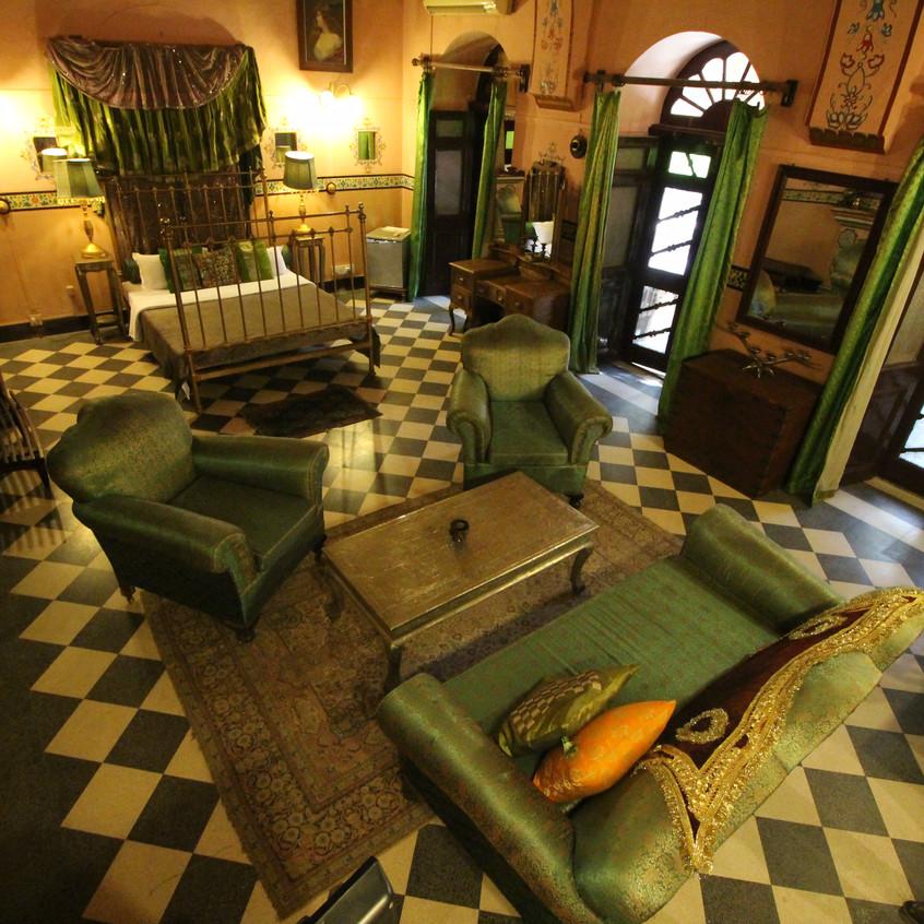 PINK/GREEN suite