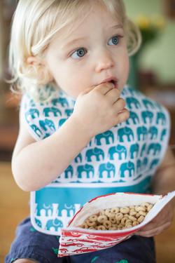 bib with snacks 1