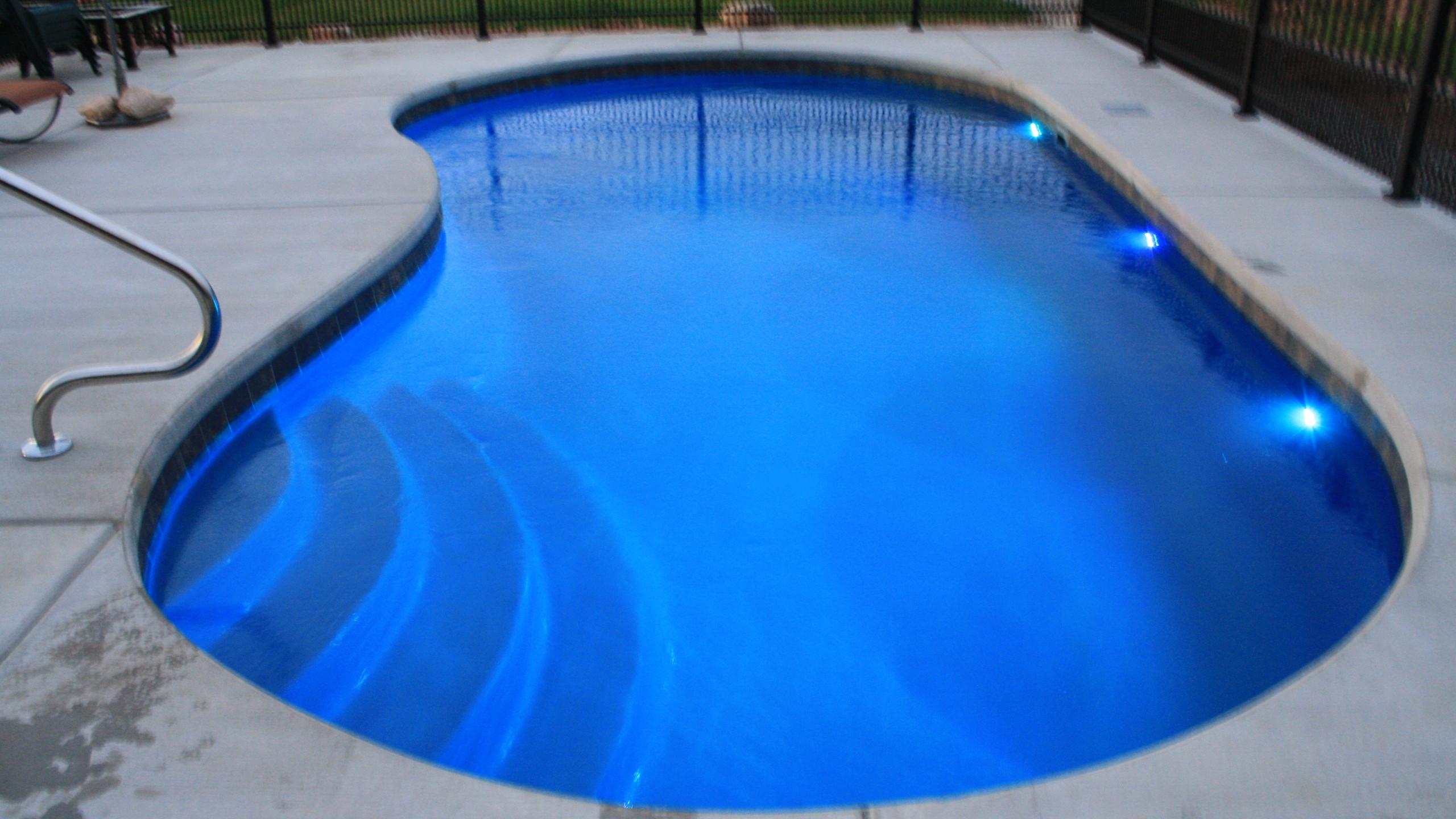 APSP Gold Award for residential fiberglass pool in Greenleaf WI