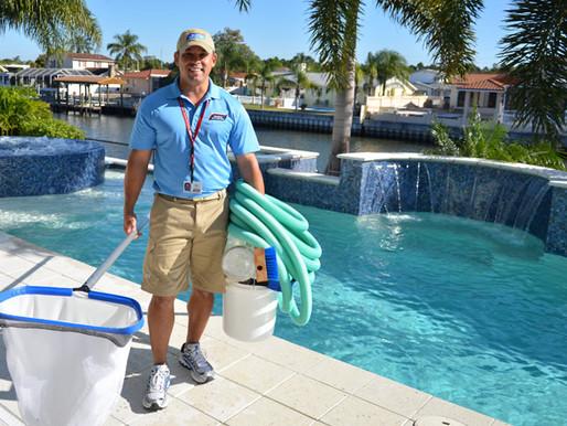 How to maintain a fiberglass pool
