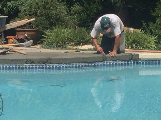 Common fiberglass installation mistakes pool pros in for Pool design mistakes