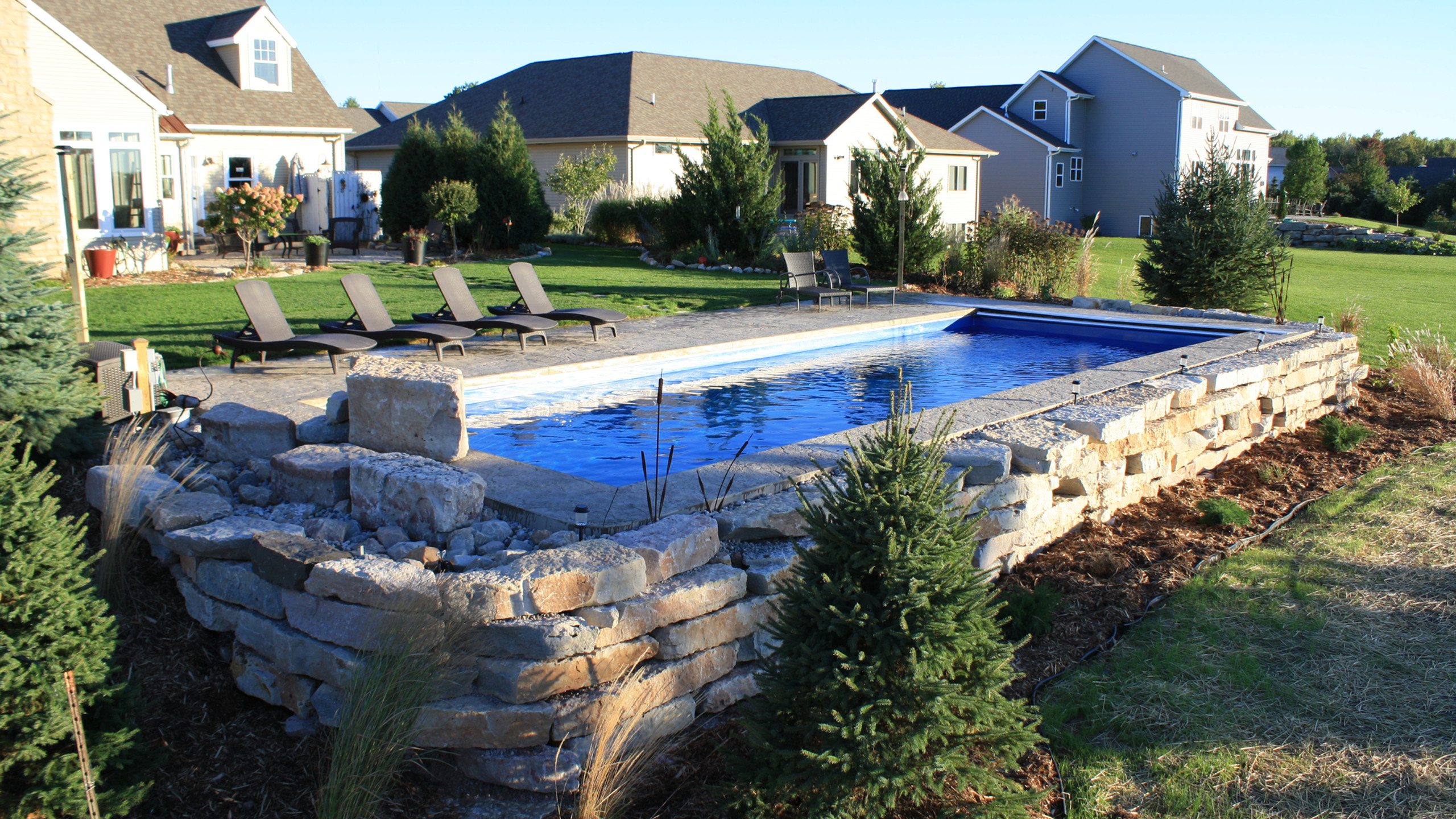 APSP Gold Award for residential fiberglass pool in Ledgeview WI