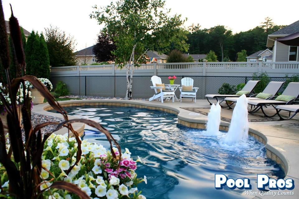 APSP Gold Award for residential fiberglass pool in Howard, WI